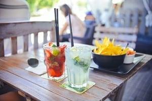 Servicio de Mesa y Bar